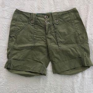 Free People Olive Green Bermuda Shorts Sz 4 EUC